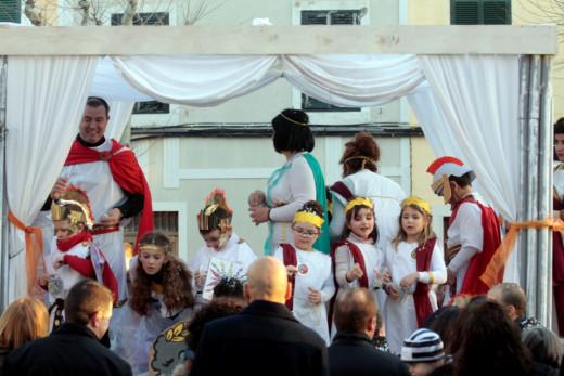 (Fotos) El color desfila por Ciutadella