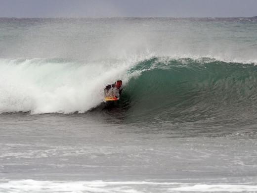 (Fotos) Surf contra el temporal