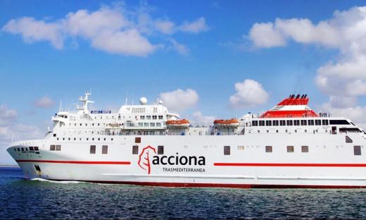 Ferry de Trasmediterránea.