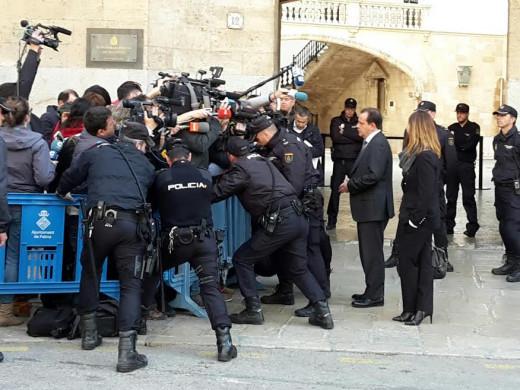 (Galería de fotos) ¿Ingresarán Urdangarín y Torres de forma inmediata en la cárcel?