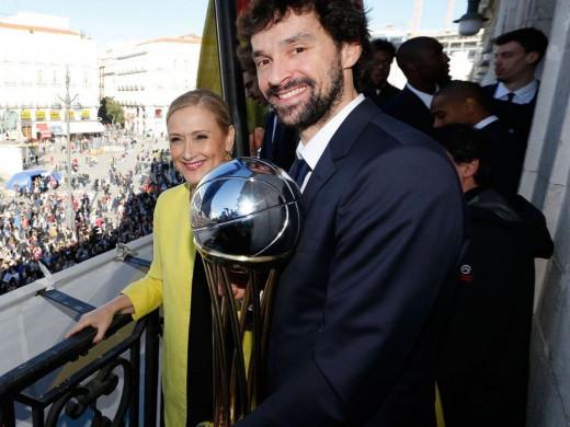 (Fotos) El Real Madrid y Sergi Llull celebran la Copa del Rey
