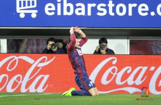 Sergi Enrich celebra el gol ante el Málaga (Foto: laliga.es)
