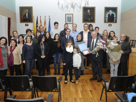 (Fotos) Es Castell celebra el aniversario de su fundación con la familia Preto