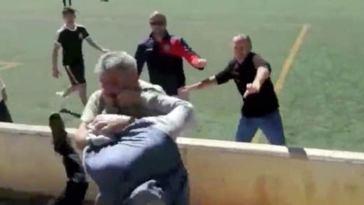 Imagen del momento de la pelea.