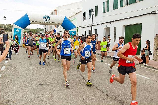 Momento de la salida de la prueba del año pasado (Foto: deportesmenorca.com)