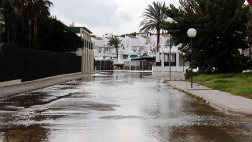Imagen de lluvia en Cala'n Bosc, Ciutadella.