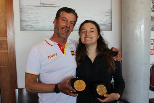 Borrás y Franceschi, con los trofeos de ganadores.