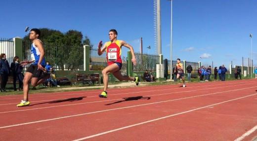Imagen de archivo de una carrera en la pista de Maó (Foto: Andrés Pulido)