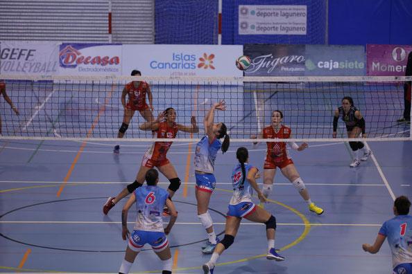 Acción del partido disputado en Tenerife (Foto: Haris)