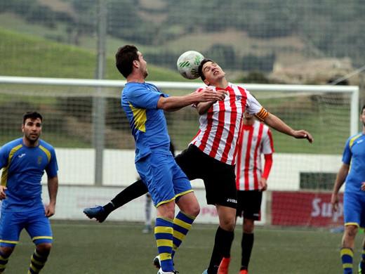 (Galería de fotos) Golpe del Penya Ciutadella en el derby