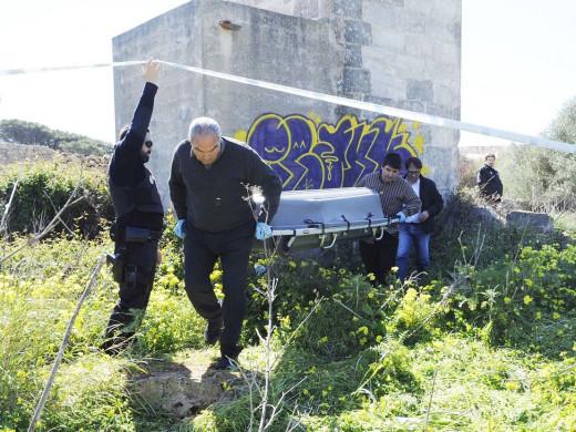 (Galería de fotos) Ordenan el levantamiento del cadáver, que es de un ciudadano alemán