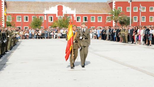 Imagen de la jura de bandera civil que se realizó en octubre de 2016 en Es Castell (Foto: Tolo Mercadal)
