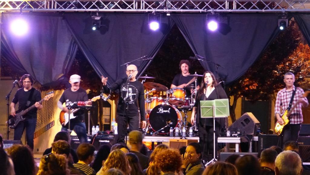El grupo presentó varios temas este sábado en el macroconcierto de Alaior