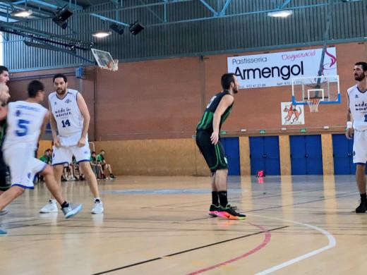 (Fotos) El Made in Menorca gana en Salt y asciende a la tercera plaza
