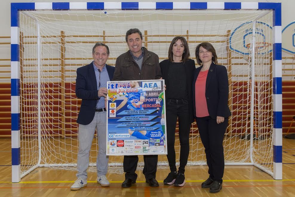 Momento de la presentación del torneo solidario (Foto: Karlos Hurtado)