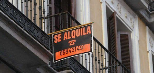 Cruce de reproches por la falta de pisos de alquiler for Alquiler piso la moraleja