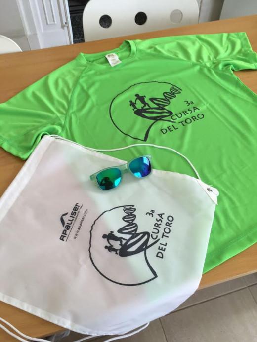 Camiseta y bolsa de la prueba.