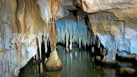 Cuevas de Cala Blanca