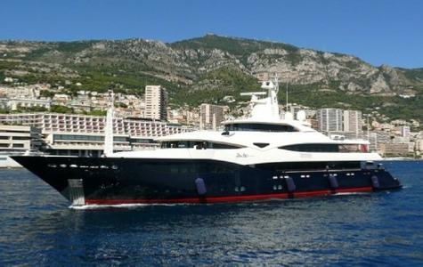 (Fotos) El 'Blue Eyes' llega a Menorca