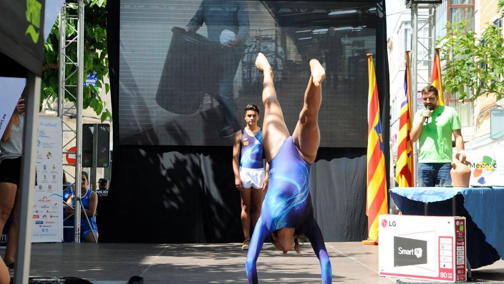 Exhibición de una de las gimnastas.