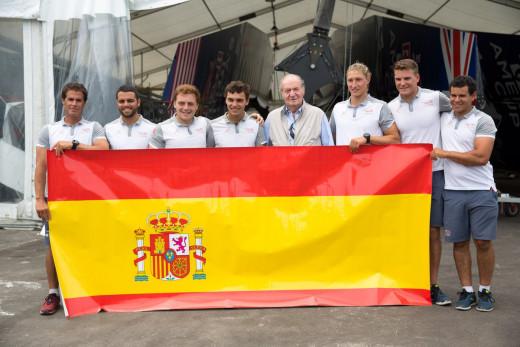 Foto de grupo de la visita del rey Juan Carlos.