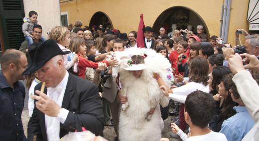 Momento de las fiestas de Sant Joan