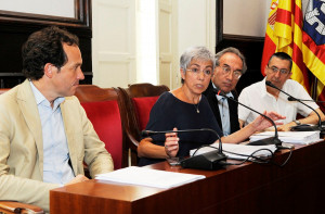 Conxa Juanola defendió el proyecto presentado por el Govern.