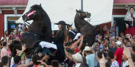 Fiesta, jaleo, caballos.