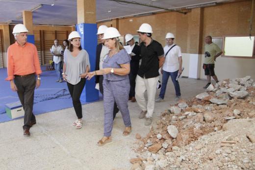 Armengol en su visita a un centro educativo