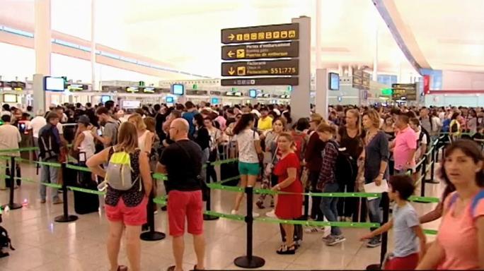 Colas en el aeropuerto de Barcelona.