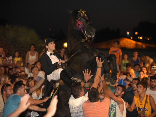 Noche de arena y caballos de Llucmaçanes