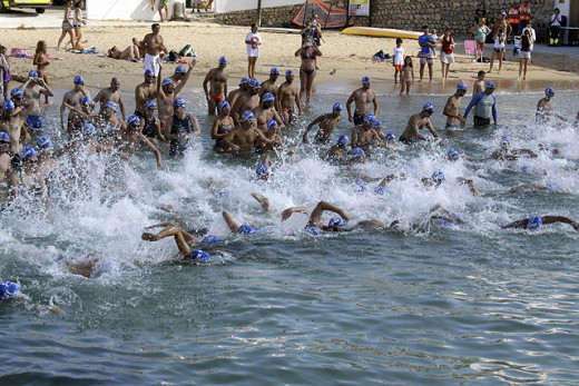 La competición ha contado con más de 100 nadadores (Foto: deportesmenorca.com)