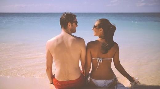 Pareja en la playa