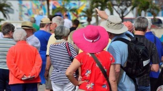 Turistas de visita.
