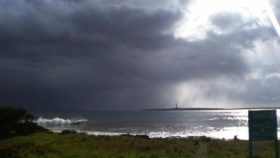 Cielo gris en Punta Prima (Sant Lluís).
