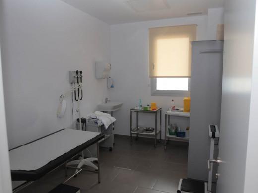 (Galería de fotos) Fornells inaugura un consultorio médico