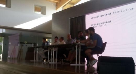 Un momento de la mesa redonda (Foto: Paco Piris)