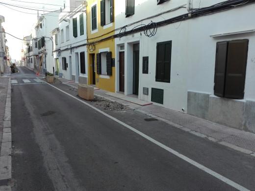 (Galería de fotos) El carrer Infanta de Maó muda la piel