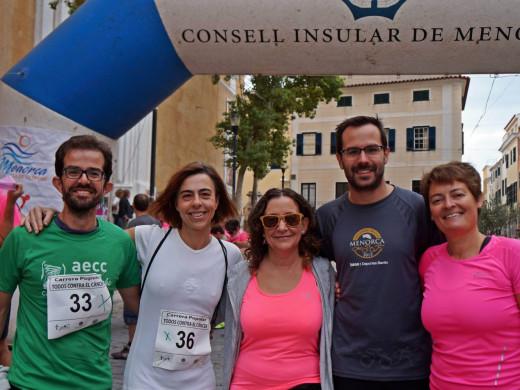 (Galería de fotos y vídeo) A la carrera contra el cáncer en Maó