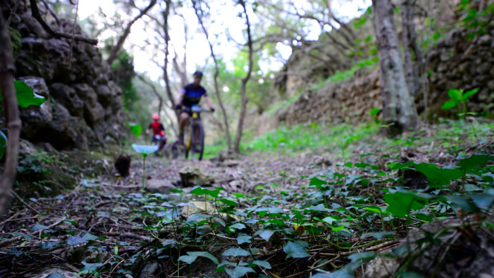Imagen de un momento de la etapa (Fotos:  Volta a Menorca)