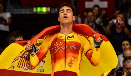 Torres, tras ganar el omnium en el campeonato de Europa.