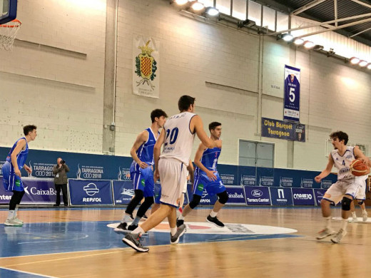 (Fotos) El Bàsquet Menorca pasa por encima del Tarragona