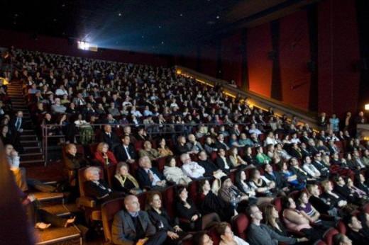 El cine puede ser un buen refugio hasta que amaine el temporal.