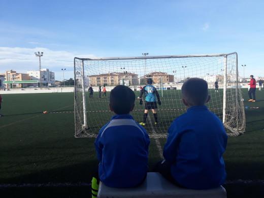 (Galería de fotos) Paradas, goles y diversión en la batalla de porteros