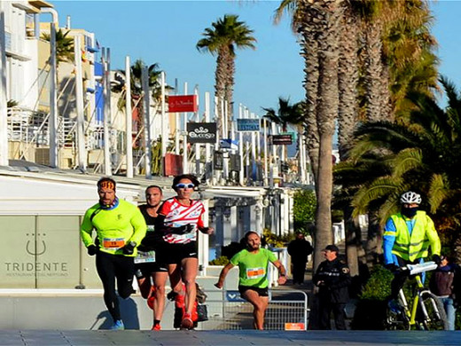 (Galería de fotos) Exhibición de Maria Pallicer en el puerto de Valencia