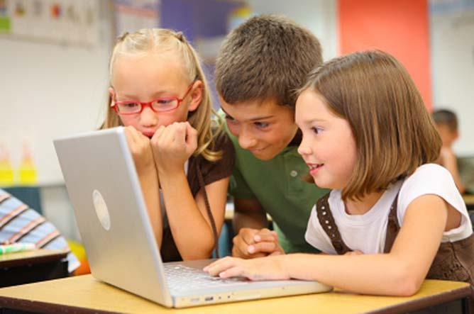 Niños de primaria en una clase.