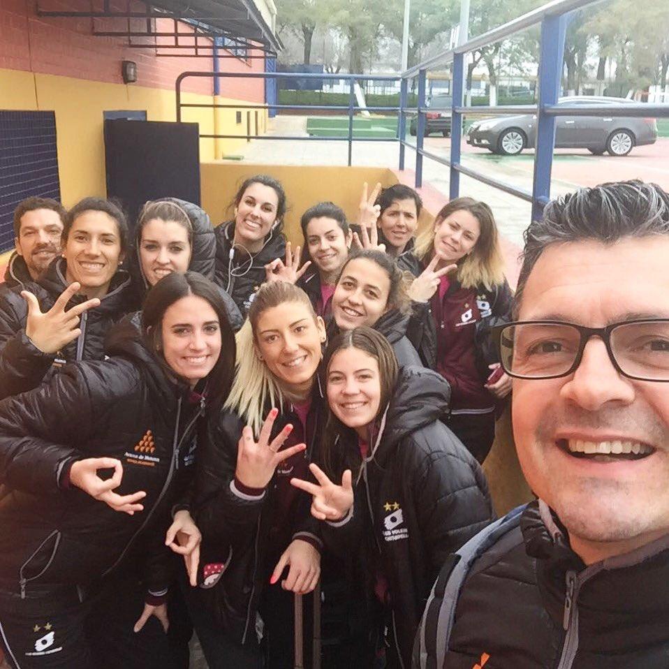 Selfie tras la victoria en Sevilla (Foto: CV Ciutadella)