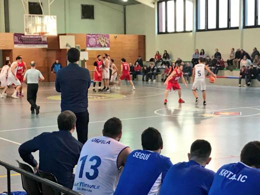 (Fotos) El Bàsquet Menorca lanza un aviso a la liga