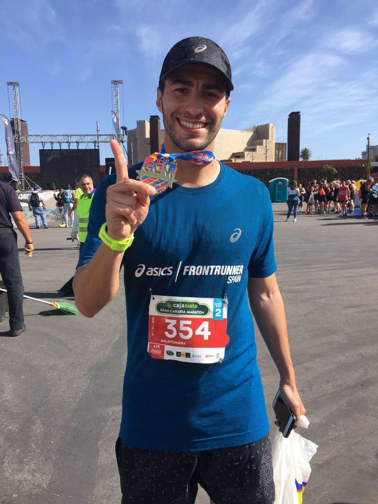 Javier Lorente, tras la maratón de Gran Canaria (Foto: Asics)