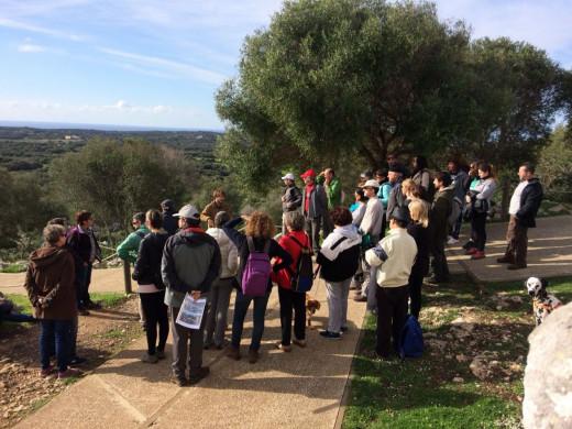 (Fotos) Un Sant Antoni talayótico y con aceite